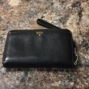 Fossil # 1954 black leather zip around wallet